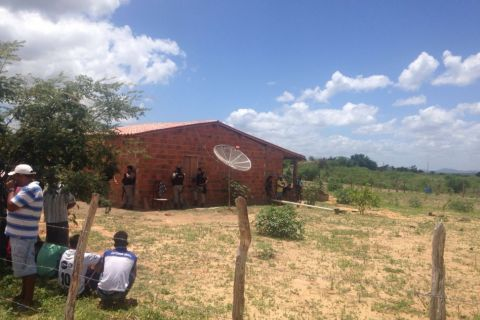 Olho D'Água do Casado: Homem é assassinado a golpes de faca no assentamento nova esperança II